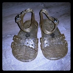 Other - 💛Adorable Gold Sandals💛